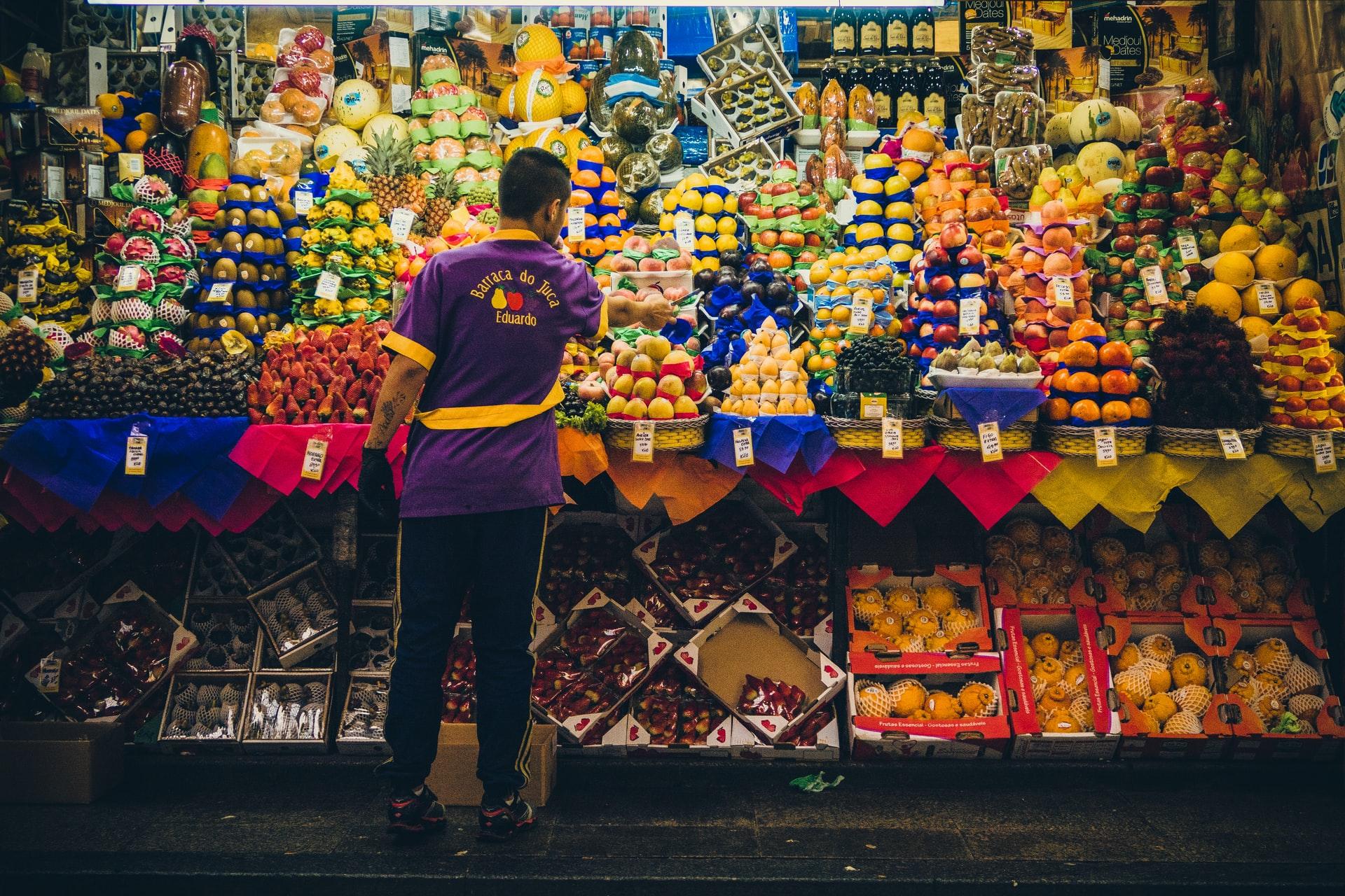 Acesso à alimentação saudável: como garantir sistemas alimentares resilientes e acessíveis nas cidades